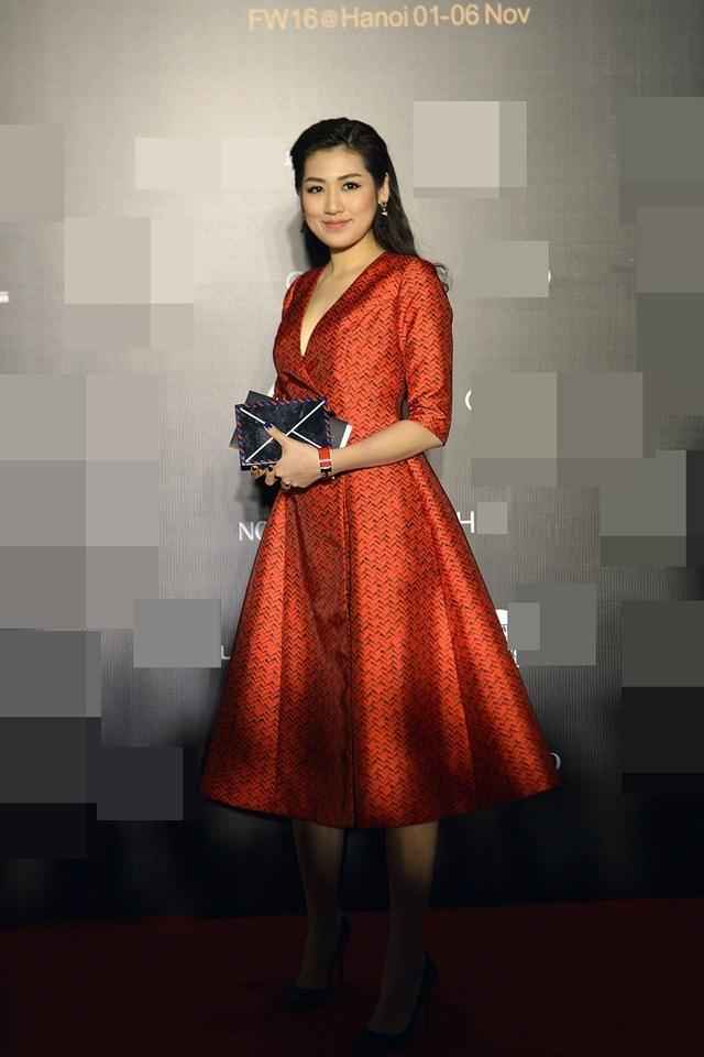 Thời gian hiện tại, Tú Anh tất bật với công việc ở Đài Truyền hình Việt Nam. Cô đang tập trung theo đuổi ước mơ trở thành một BTV giỏi.
