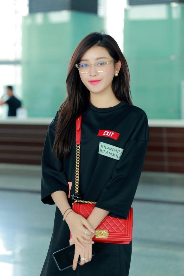 Á hậu Huyền My được mời sang Malaysia diễn thời trang - 3