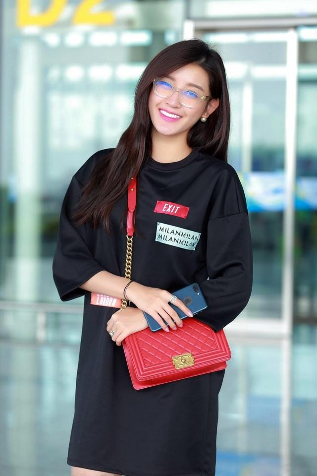 Á hậu Huyền My được mời sang Malaysia diễn thời trang - 9