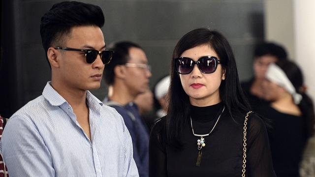 NSƯT Thu Hà cùng diễn viên trẻ Hồng Đăng.