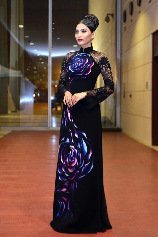 Bật mí về dự định trong thời gian sắp tới, Trương Thị May cho biết, cô chuẩn bị tham gia đóng phim, tuy nhiên tên phim cô muốn giữ bí mật để đem đến sự bất ngờ cho khán giả.