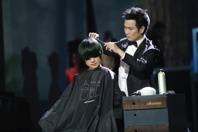 Nhà tạo mẫu tóc lừng danh thế giới trình diễn tác phẩm 3D tại Việt Nam - 5