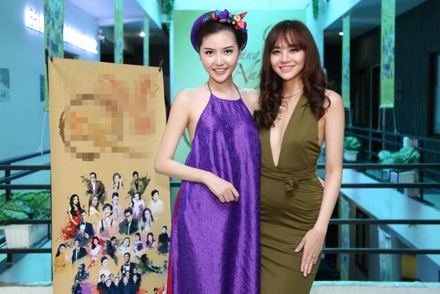 Hoa hậu Ngọc Duyên mặc áo yếm gợi cảm đọ dáng cùng dàn mẫu - 12