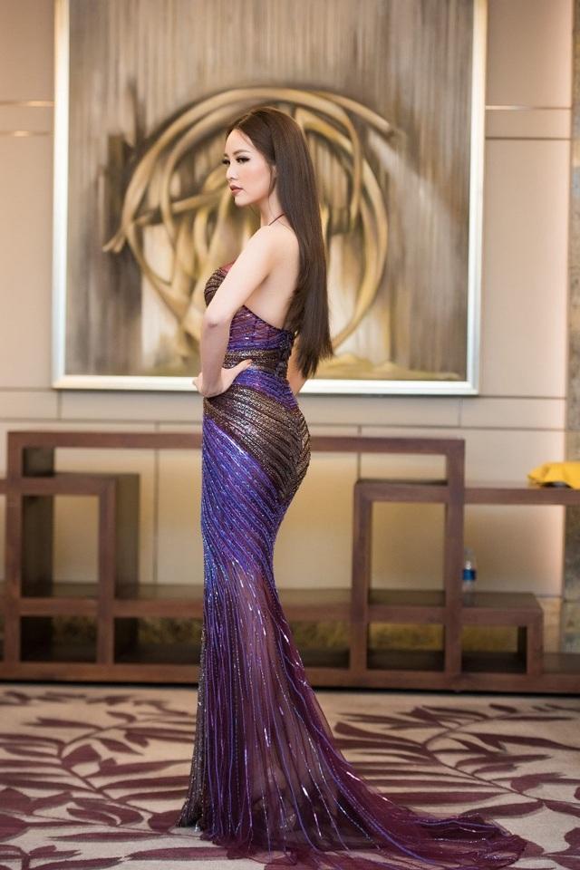 Hồng Nhung, Lệ Quyên đọ sắc Thụy Vân, Đan Lê với váy áo gợi cảm - 4