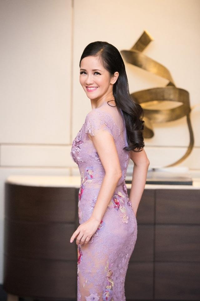 Hồng Nhung, Lệ Quyên đọ sắc Thụy Vân, Đan Lê với váy áo gợi cảm - 7