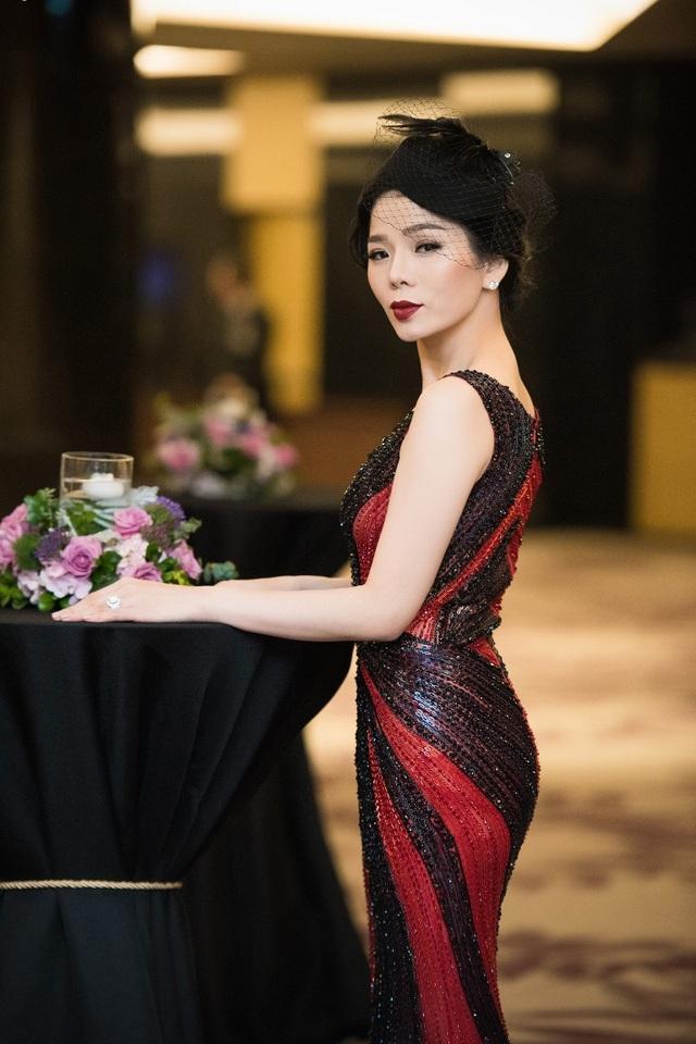 Hồng Nhung, Lệ Quyên đọ sắc Thụy Vân, Đan Lê với váy áo gợi cảm - 13