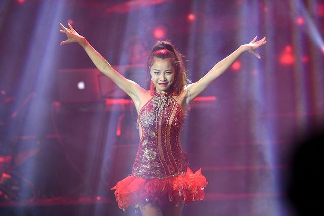 Những màn vũ đạo đẹp góp phần làm nên chiều sâu của đêm diễn.