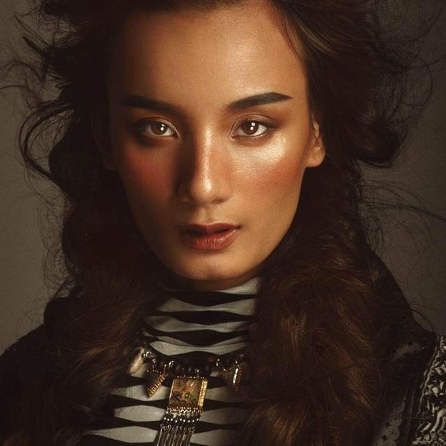 Lê Thúy - Top 3 Vietnams Next Top Model 2011 cũng bức xúc nói lên câu chuyện của mình.