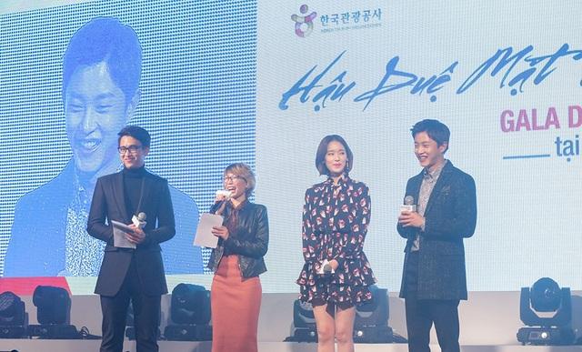 Để Quang Bảo và những người bạn trong đoàn Việt Nam được trải nghiệm Hàn Quốc một cách tuyệt vời nhất, Kim Min Suk và Park Hwan Hee đã chỉ cho Quang Bảo những địa điểm du lịch nổi tiếng cũng như những món ngon ở Hàn Quốc.