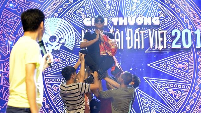 Minh Quân cùng Quán quân The Voice Kids tích cực tổng duyệt Nhân tài đất Việt - 13