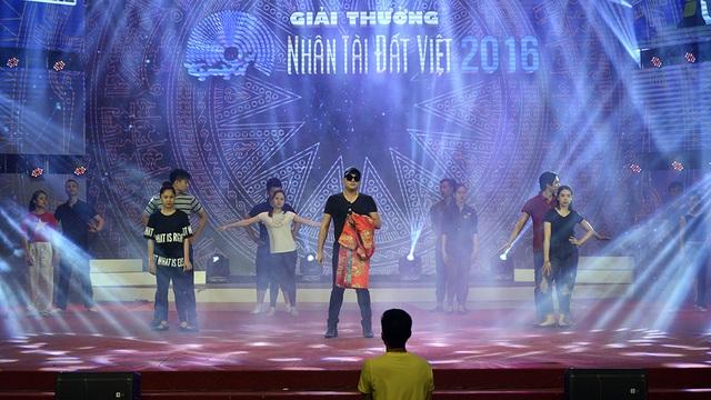 Minh Quân cùng Quán quân The Voice Kids tích cực tổng duyệt Nhân tài đất Việt - 15