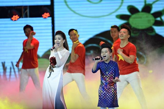 Giai điệu mang âm hưởng tự hào nhưng đầy trẻ trung đã khép lại một mùa giải thành công của Nhân tài đất Việt 2016.