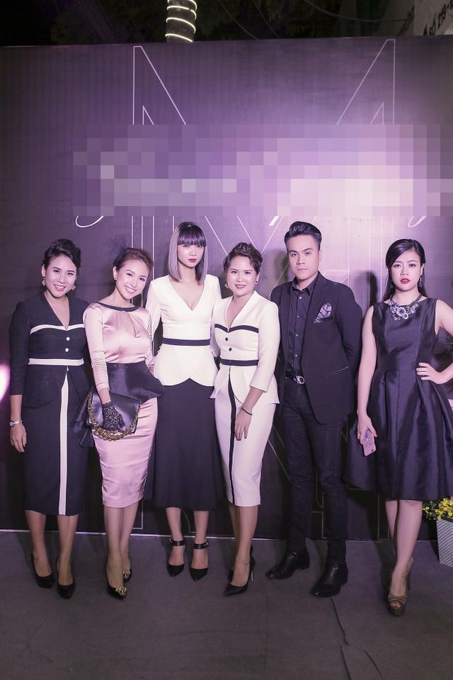 MC Vân Hugo hội ngộ người mẫu Hạ Vy, siêu mẫu Hà Phương...