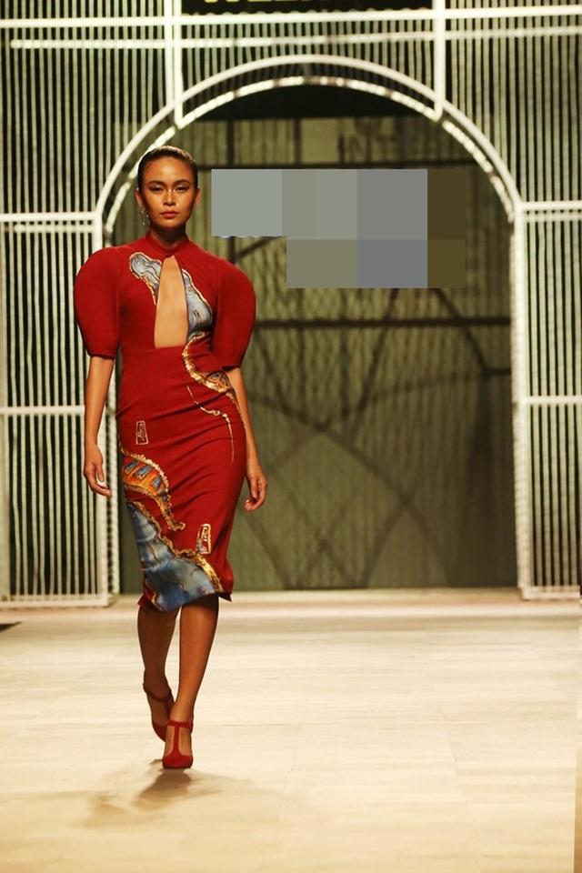 Mâu Thủy vẫn tham gia trình diễn trong Tuần lễ thời trang Việt Nam quốc tế tại Hà Nội do BeU Models tổ chức giữa tháng 11 vừa qua.