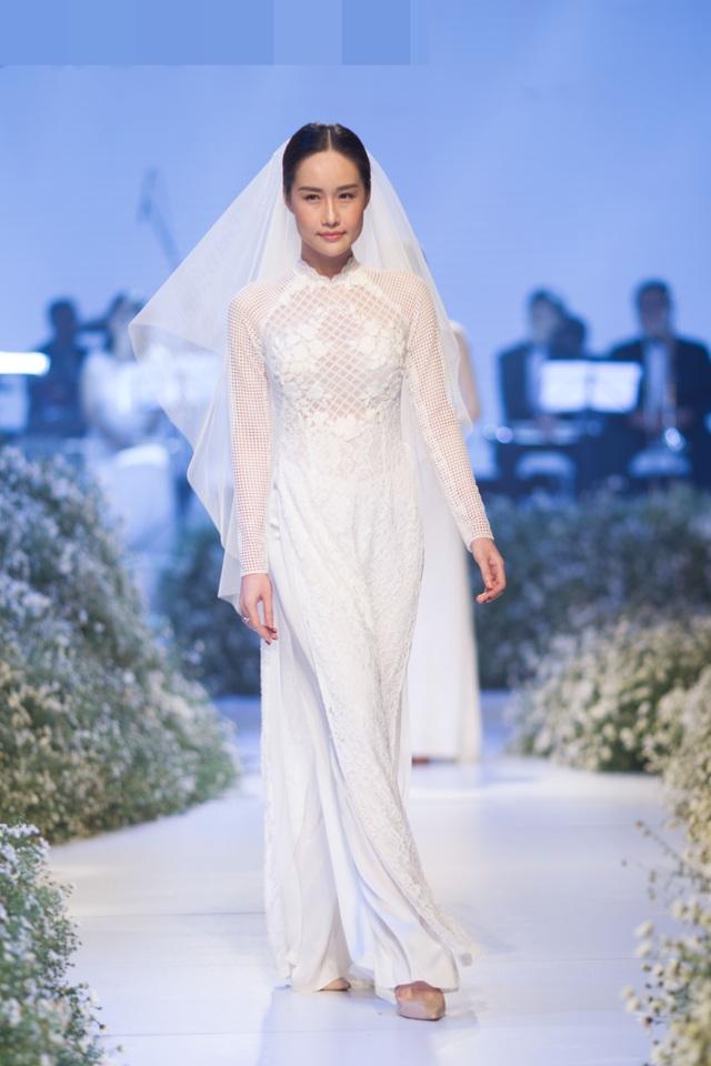 Dàn người đẹp thanh lịch với áo dài cưới tinh khôi - 3