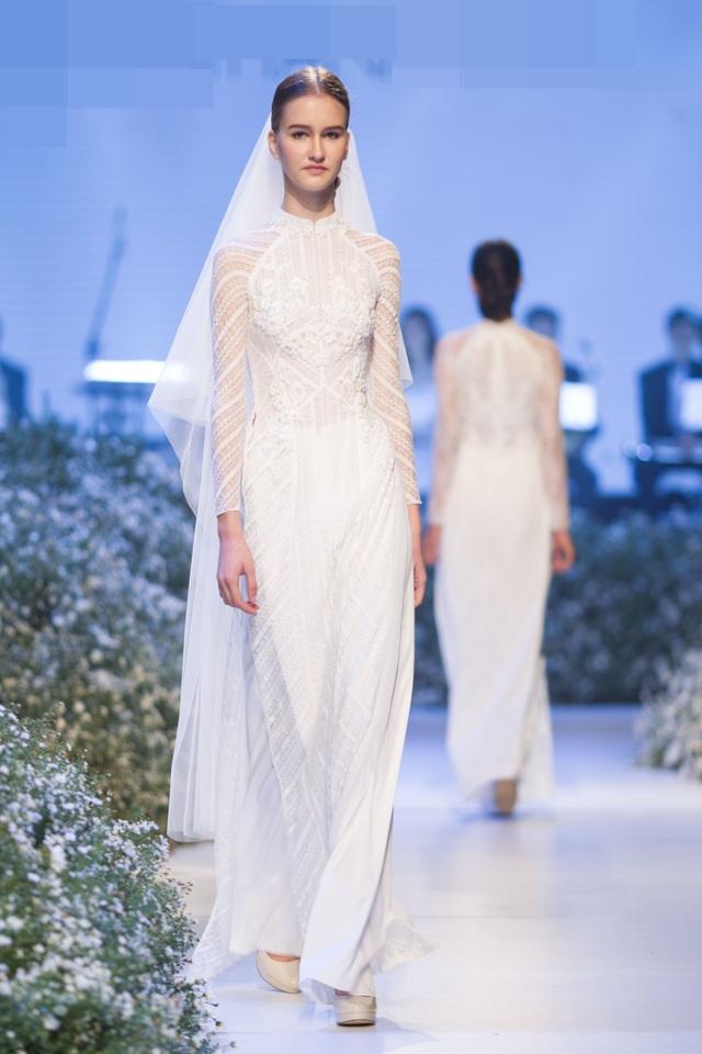 Dàn người đẹp thanh lịch với áo dài cưới tinh khôi - 2