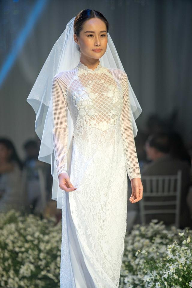 Dàn người đẹp thanh lịch với áo dài cưới tinh khôi - 8