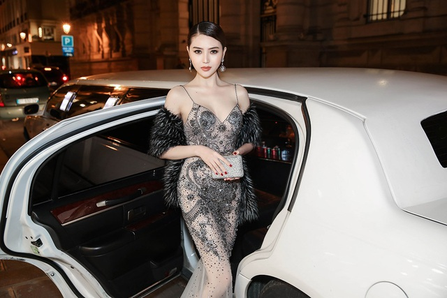 Hoa hậu Ngọc Duyên ngồi siêu xe đến show diễn thế giới - 4