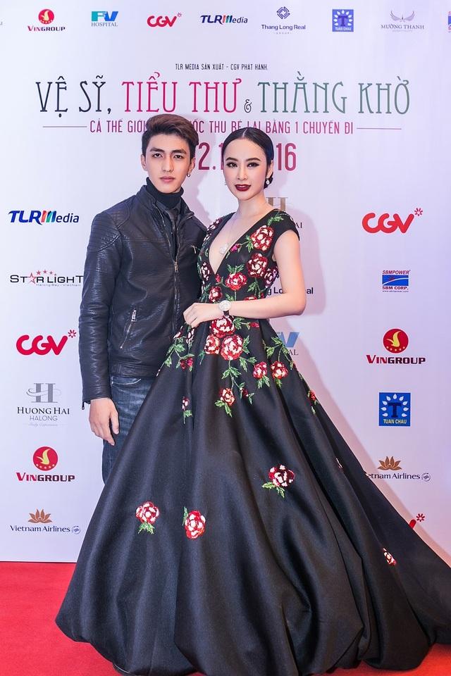 Trong sự kiện, Angela Phương Trinh hội ngộ với Bình An - bạn diễn trong phim.