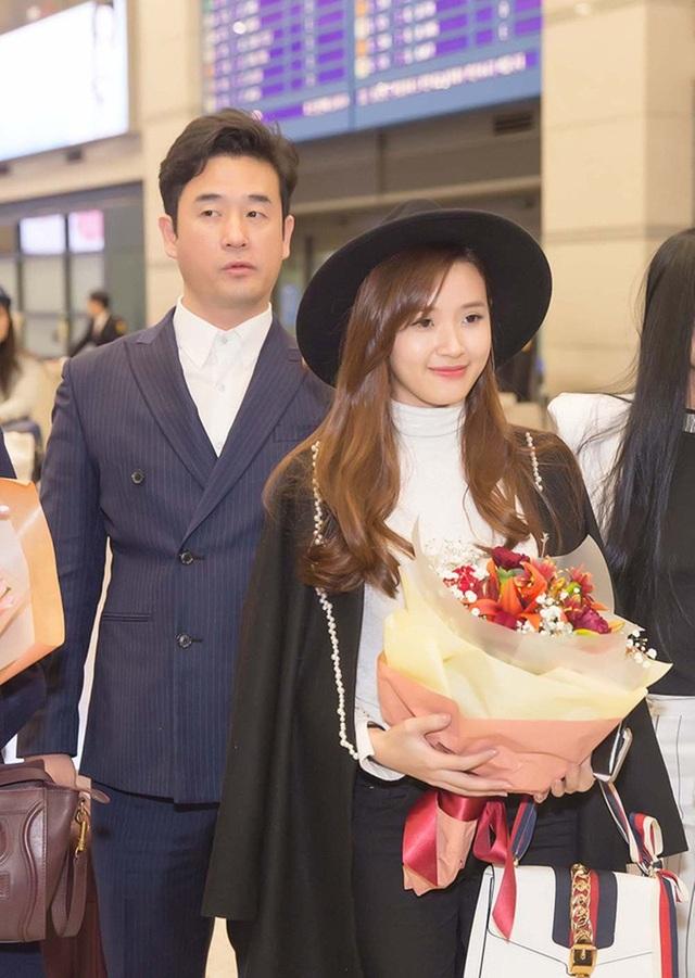 Không chỉ được mời sang tham dự Lễ trao giải Korean Culture Entertainment Awards 2016, Midu còn bất ngờ được nhận giải Diễn viên Châu Á xuất sắc.