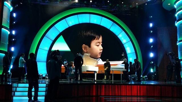 """Thần đồng piano 5 tuổi từng làm nước Mỹ """"điên đảo"""" sẽ về Việt Nam - 5"""