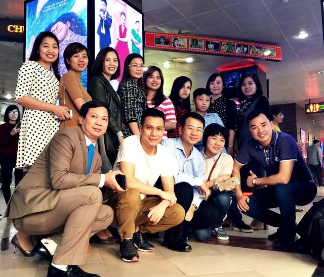 Đại diện các đơn vị lữ hành đi xem phim Vệ sĩ tiểu thư và chàng khờ chiều ngày 10/12, giao lưu cùng Đạo diễn Việt Anh tại Hà Nội và kì vọng bộ phim được quảng bá rộng rãi hơn để xúc tiến du lịch.
