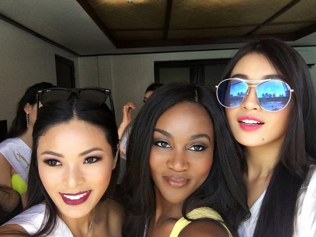 Trong lịch trình tiếp theo, Lệ Hằng sẽ cùng các đại diện khác có buổi họp báo với truyền thông Philippines. Sau đó, họ có buổi chụp hình tại một số địa danh, thắng cảnh ở thủ đô Manila. Tất cả hoạt động này đều được ban tổ chức ghi hình để quảng bá cho cuộc thi Miss Universe lần thứ 65 diễn ra từ ngày 13-30/1/2017.