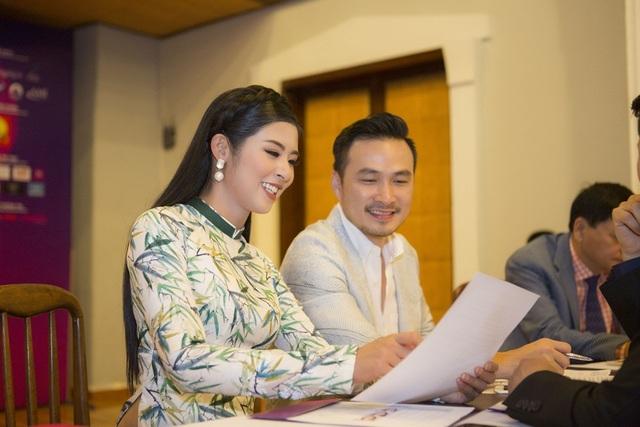 Từng ngồi ghế nóng cuộc thi nhan sắc mang tầm vóc quốc gia Hoa hậu Việt Nam 2014 nên Ngọc Hân có rất nhiều kinh nghiệm.