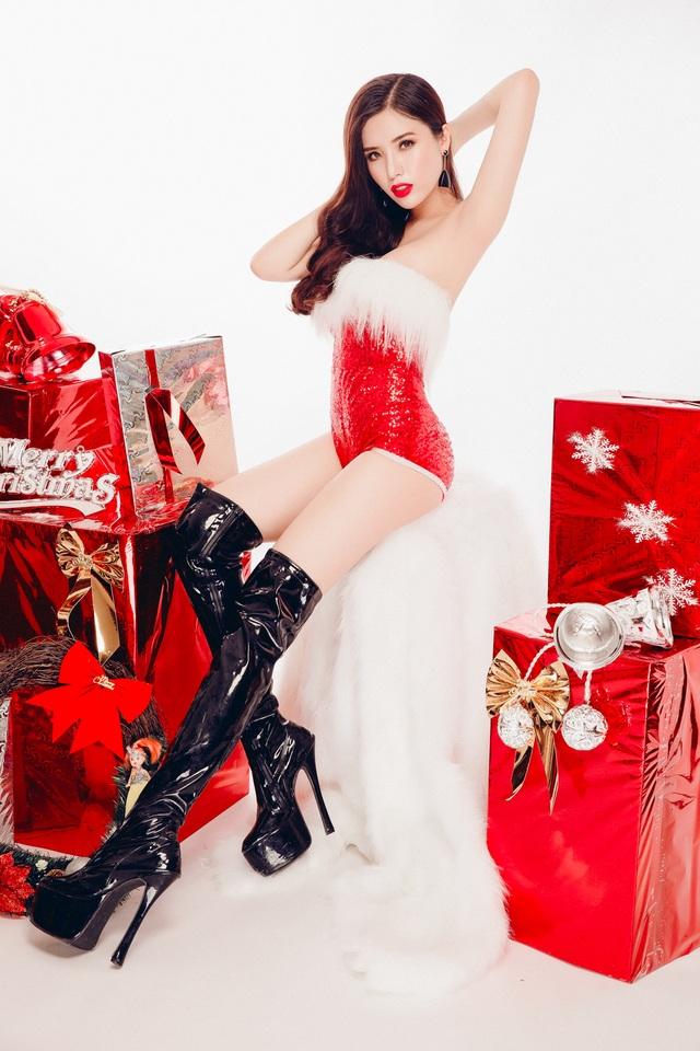 Nữ sinh ĐH Nha Trang quyến rũ đón Giáng sinh sớm - 6