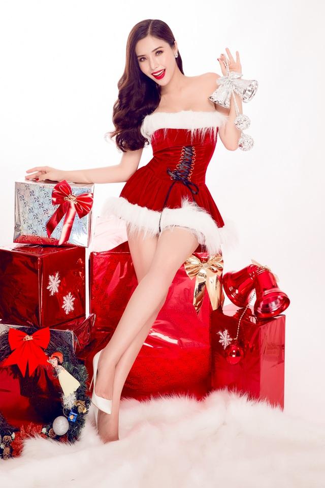 Nữ sinh ĐH Nha Trang quyến rũ đón Giáng sinh sớm - 7