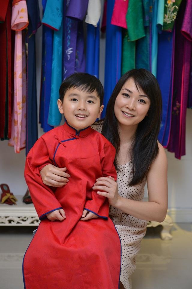 Evan Lê và mẹ.