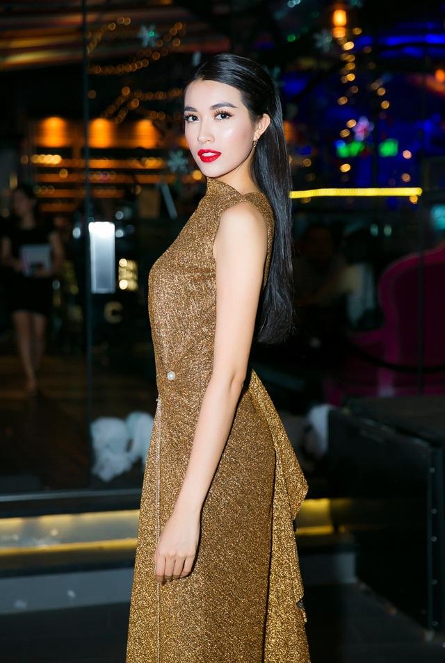 Á hậu cho biết, hoạt động trước thềm Miss Universe giúp cô tích lũy được khá nhiều kinh nghiệm khi cuộc thi diễn ra vào trung tuần tháng 1/2017.