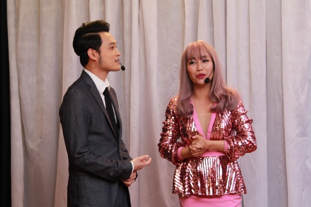 Anh và MC Ốc Thanh Vân diễn ăn ý.
