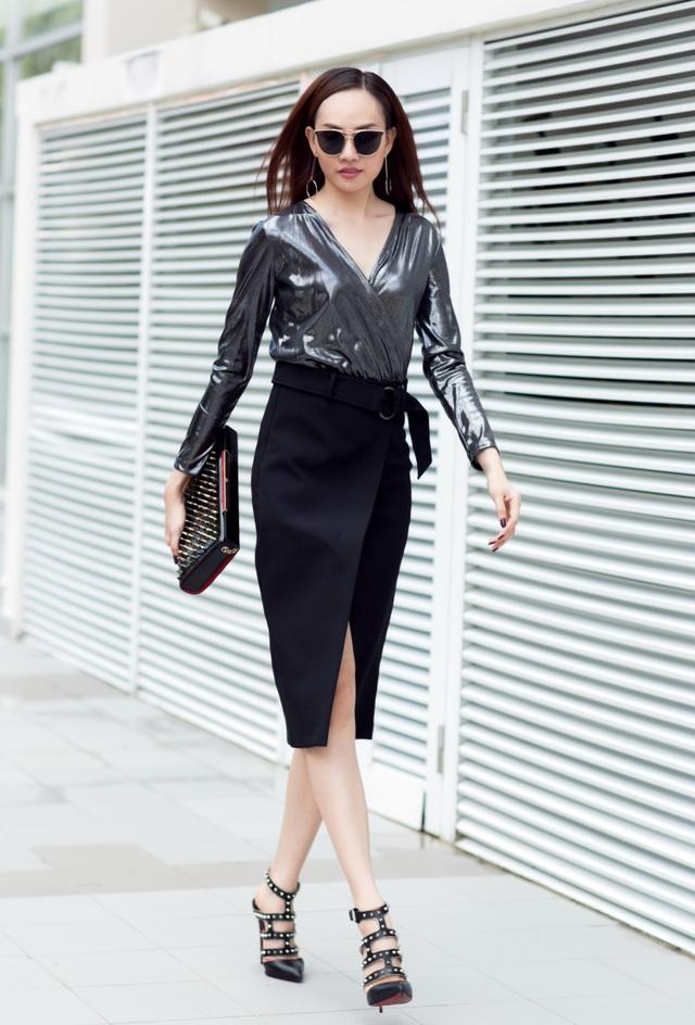Cuối cùng những phụ kiện như kính, giày cao gót, túi xách hàng hiệu ánh kim tông xuyệt tông góp phần tăng thêm cá tính cho người đẹp.