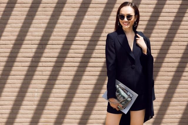 MC Kim Duyên khoe phong cách thời trang tựa nắng mai xuống phố - 4