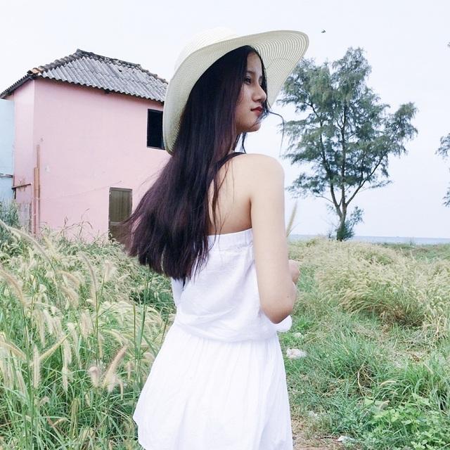 Hương Ly, Quán quân Vietnam's Next Top Model 2015 với vẻ đẹp dịu ngọt lại mang đúng sự tinh khôi đó của cô đến với biển đảo Phú Quốc.