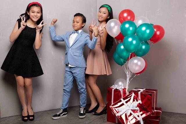 Hồ Văn Cường lần đầu được mặc vest đón Noel cùng chị gái nuôi - 8