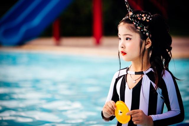 """Bộ ảnh """"con gái nhà ai"""" ngọt lịm của học trò siêu mẫu Thúy Hằng - 10"""
