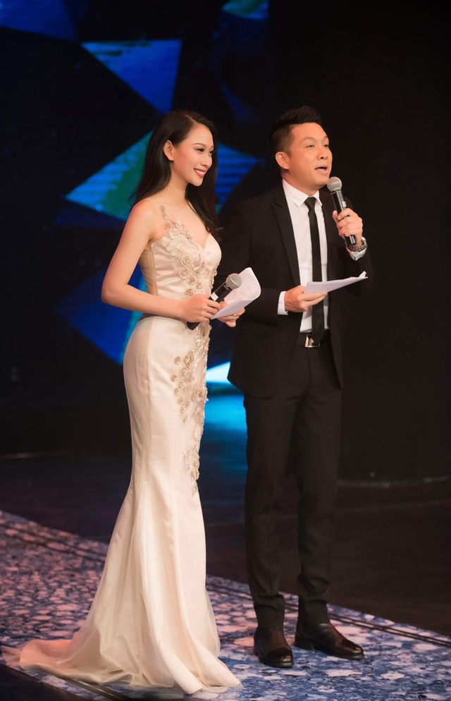 Cặp đôi MC Vân Quỳnh - Quang Vinh.