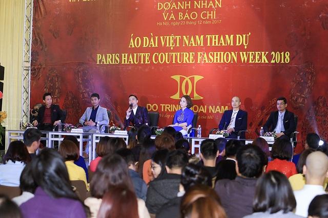 NTK Đỗ Trịnh Hoài Nam chia sẻ với báo giới.