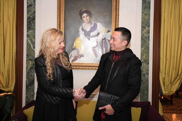 NTK Đỗ Trịnh Hoài Nam đã có buổi gặp gỡ, trao đổi cùng bà Myriam Larriere.