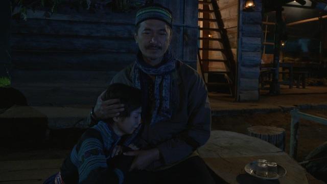 """Sự ăn khớp trong diễn xuất của hai diễn viên khiến Yaya Trương Nhi có cảm giác """"bố con thật"""" với Quốc Cường khi đóng chung."""