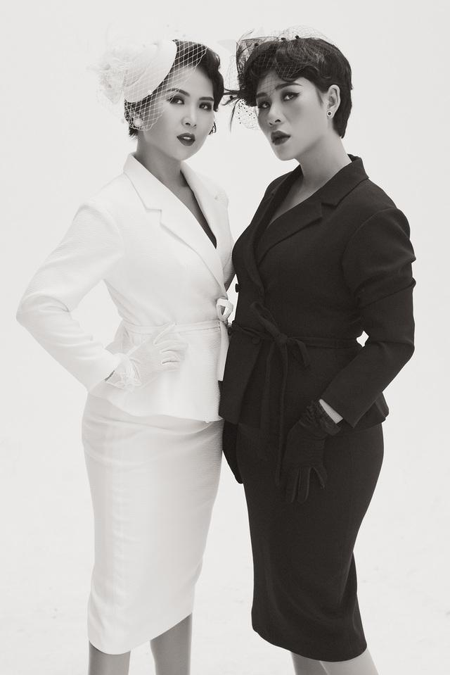Hai nhà thiết kế song sinh Ly Eva và Hà Minh Phúc, chủ thươn hiệu thời trang May's House.