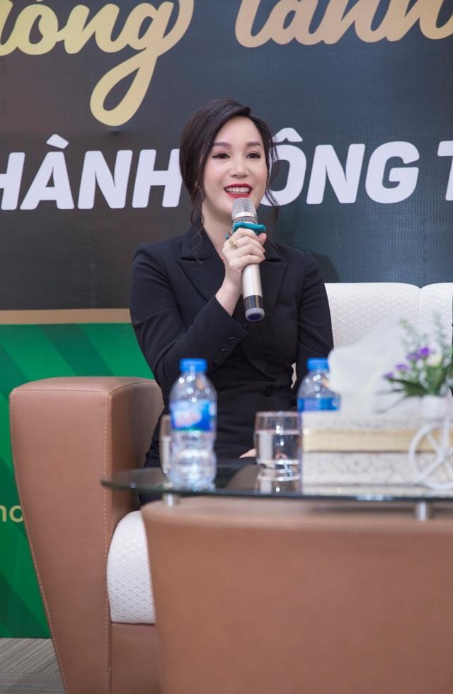 Trong buổi hội thảo, CEO Nguyễn Thị Ánh đã nhận được rất nhiều câu hỏi của các khách mời.