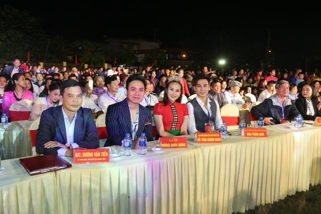 Ngoài Hoa hậu Khánh Ngân còn có sự xuất hiện của ca sĩ Dương Quốc Hưng, siêu mẫu vàng Mai Tuấn Anh.