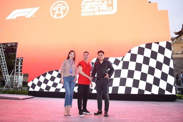 Diễn viên Minh Tiệp đảm nhận vai trò đạo diễn chương trình.