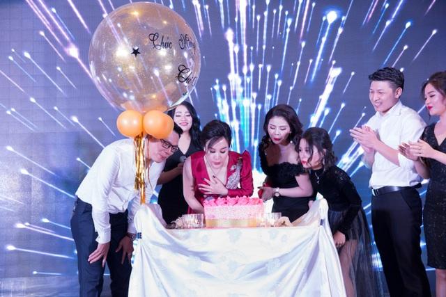 Kim Thiên Hoa và hành trình 5 năm chinh phục thị trường mỹ phẩm - Ảnh 5.
