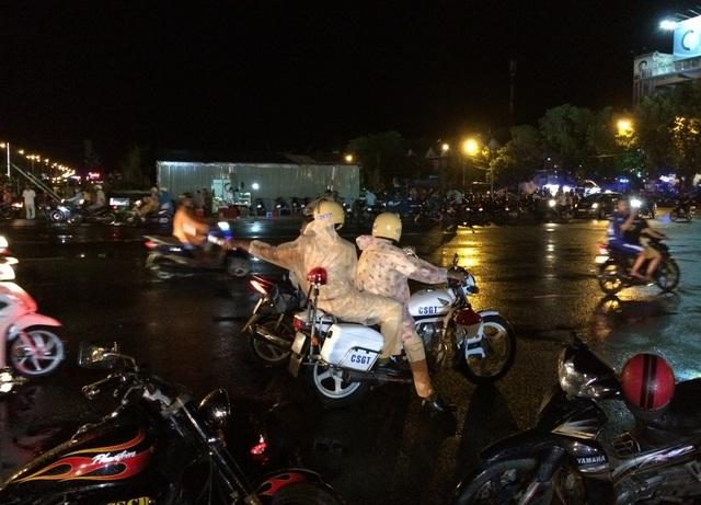 Hàng nghìn người đội mưa dự khai mạc Lễ hội anh hùng Nguyễn Trung Trực - 10