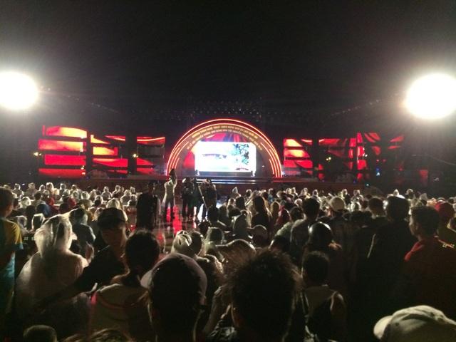Hàng nghìn người đội mưa dự khai mạc Lễ hội anh hùng Nguyễn Trung Trực - 1