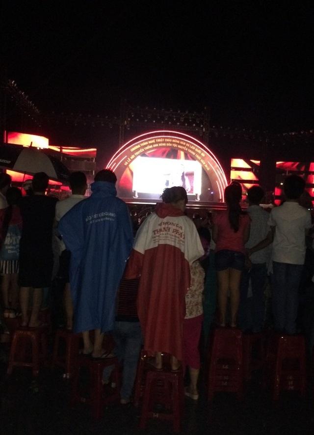 Hàng nghìn người đội mưa dự khai mạc Lễ hội anh hùng Nguyễn Trung Trực - 4